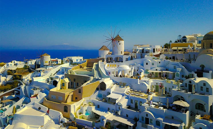 Les formations pour devenir cadre dans le secteur du tourisme